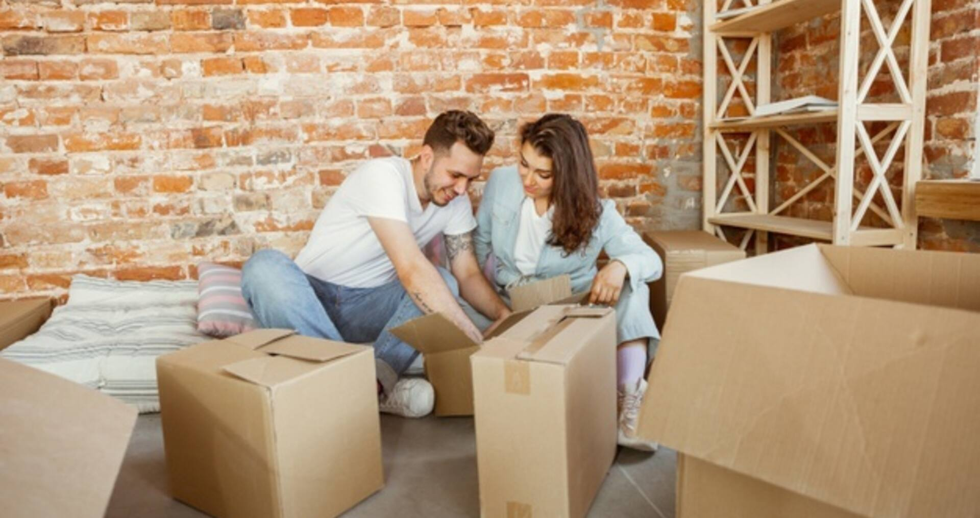 Top 5 tips to buying your first home